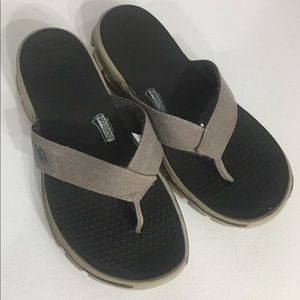 Men's Skechers Gray Flip Flops Sz 11